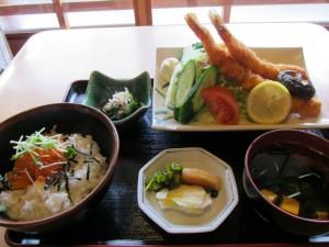 特大海老フライ定食 (2)